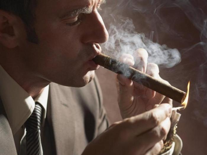 Почему вредно курить сигары?