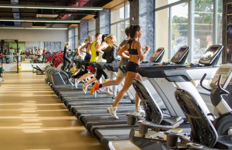 10 причин, чтобы оторвать зад от стула и отправиться в спортзал