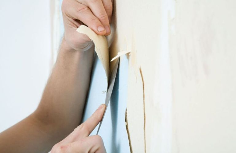Как снять старые обои со стен: флизелиновые, жидкие, виниловые, моющиеся и бумажные