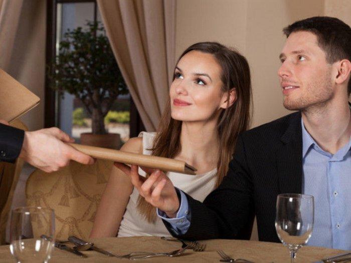 Неловкие ситуации, которые могут произойти на первом свидании