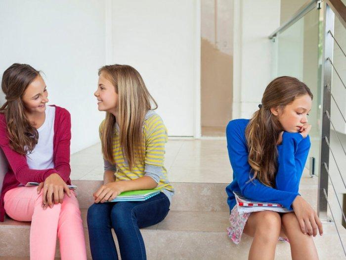 Как помочь ребенку влиться в коллектив одноклассников?