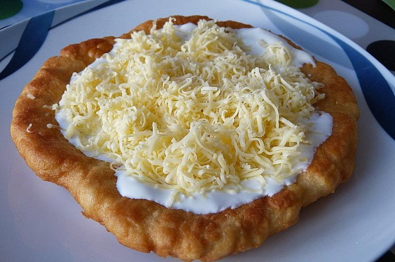 Как приготовить лангош с картофелем