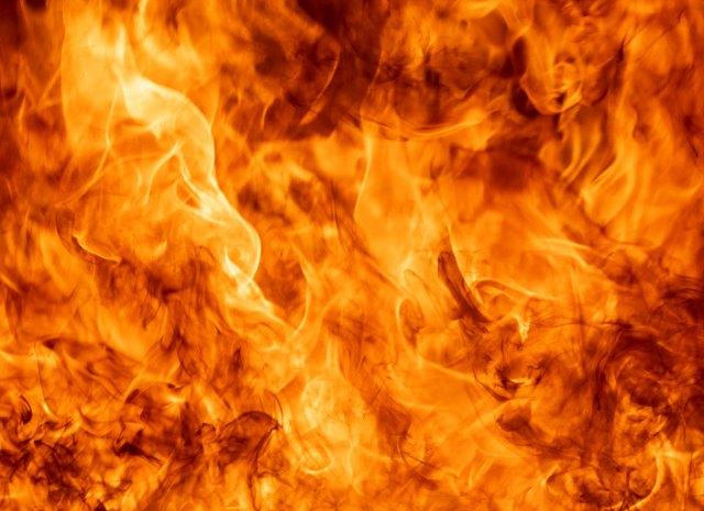 fire.jpg.pagespeed.ce.Wokjk1Sno9
