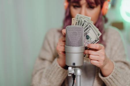 cómo monetizar YouTube