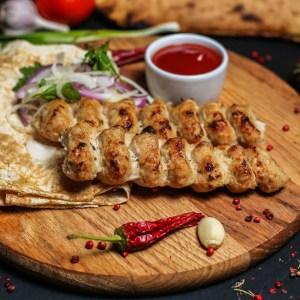 Люля кебаб из курицы на мангале