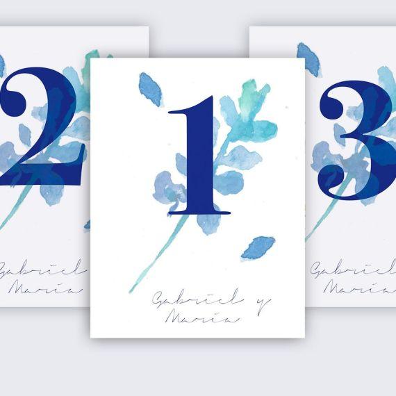 mesero flor hojas azul boda invitación