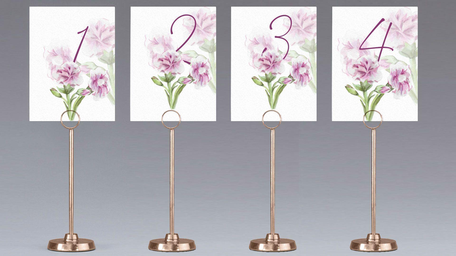 mesero claveles flores mesa boda
