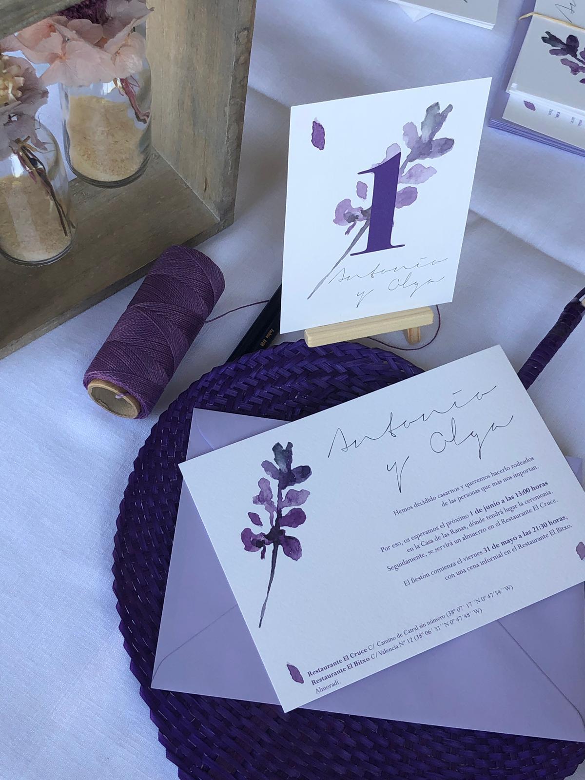 invitación de boda con acuarela de lavanda