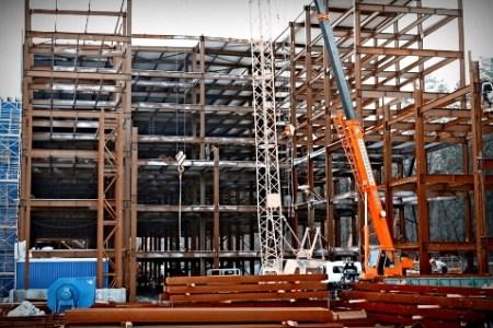 Продаж та поставка будівельних і промислових металоконструкцій.