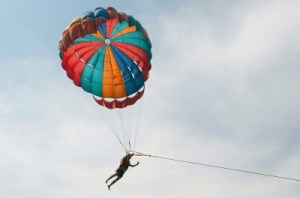 Yes, parasailing is on my weight loss bucket list. Why do I want to do this? Why not!?! Image courtesy of Arvind Balaraman and FreeDigitalPhotos.net.