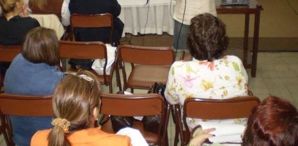 reunion-con-mujeres-coloradas-29-07-08-090