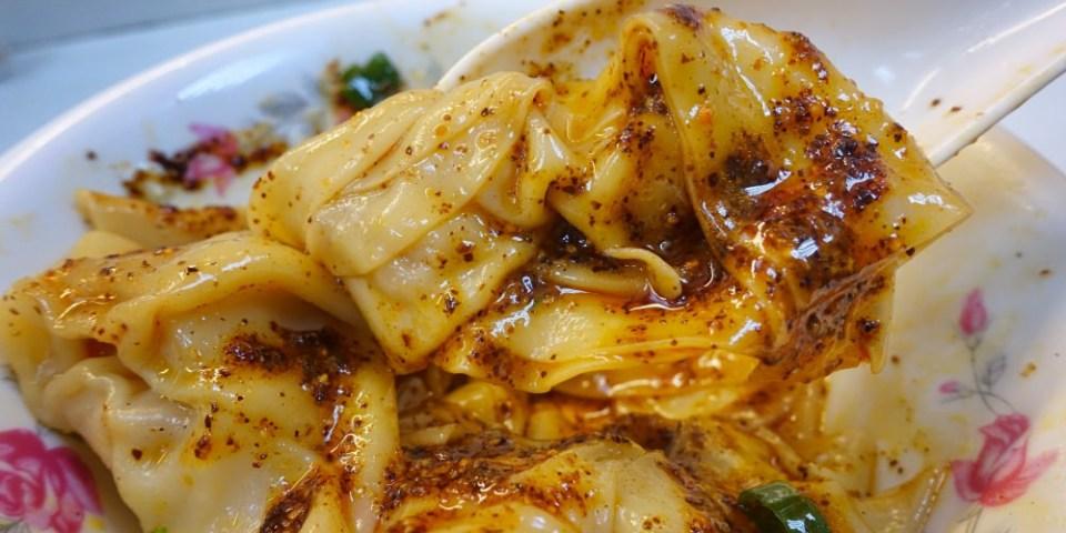 東區美食|美景川味小吃,頂好名店城排隊餐廳,必吃紅油炒手及擔擔麵