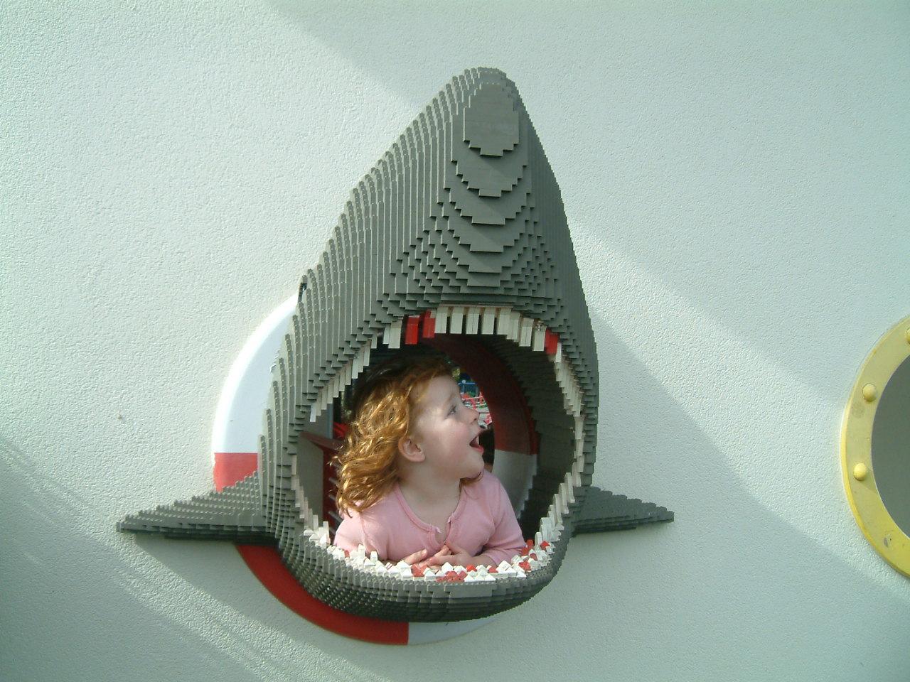 Cá mập lego