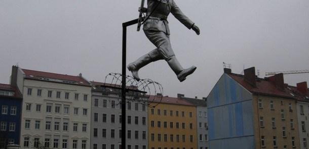 Mauergeschichte: Sprung in die Freiheit