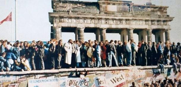 Mauergeschichte: Der Einfluss der Medien auf den Fall der Mauer