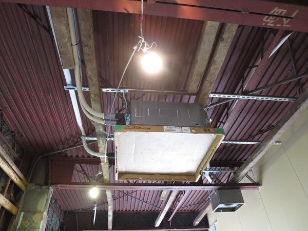 天井埋め込み式エアコン取り付け2