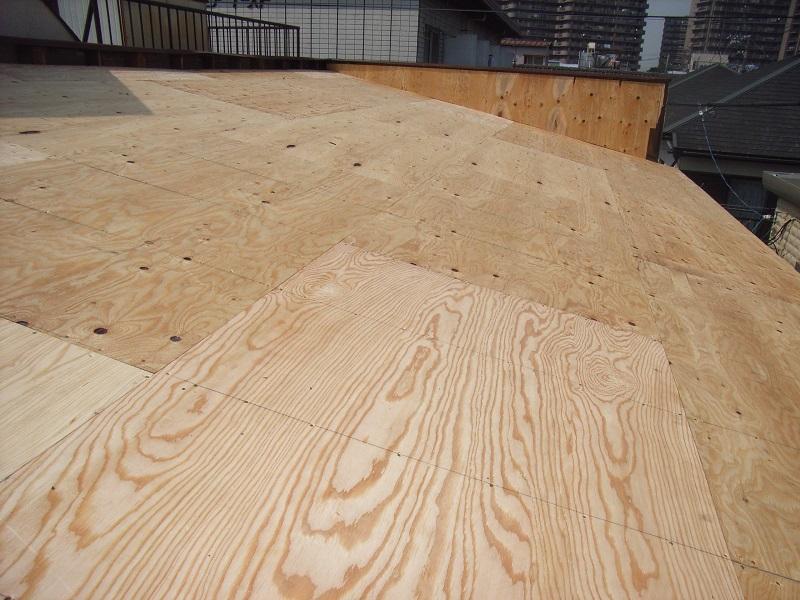 野地板を構造用合板に引き直し