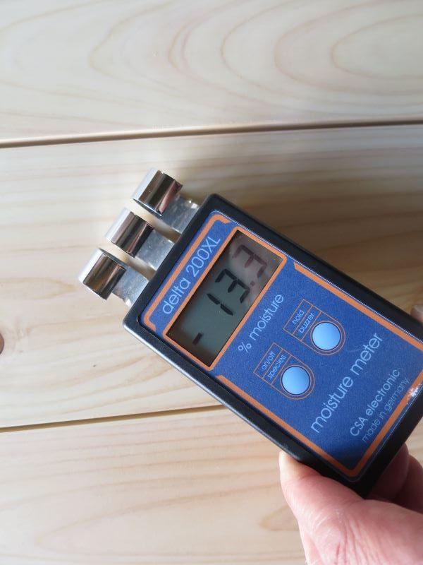 桧の乾燥の具合を計測