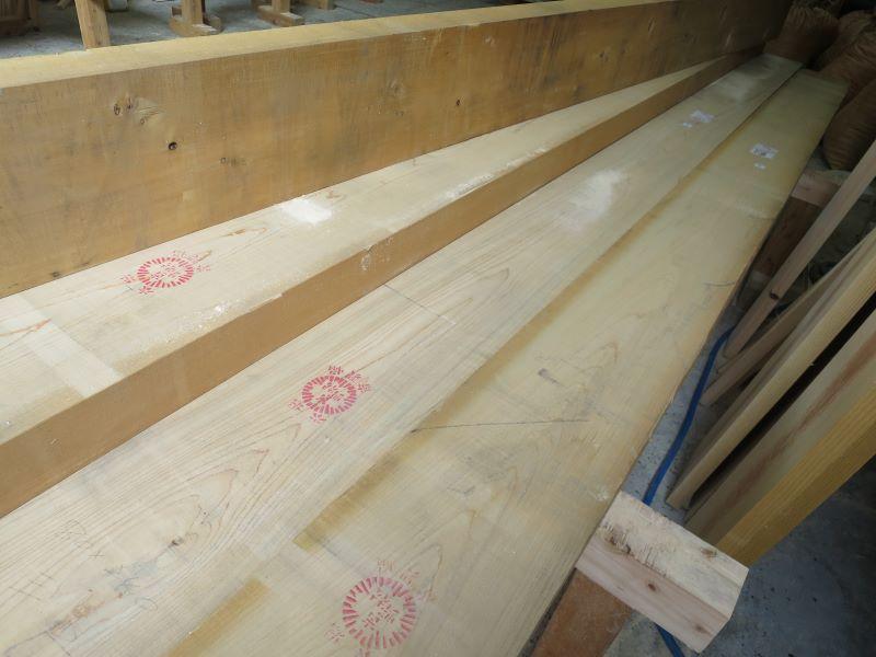 リビング階段に使われる桧材