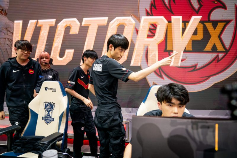 FPX send J Team home to earn a spot in the Worlds 2019 quarterfinals | Dot Esports