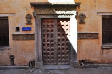 Porta da antiga casa de Camões