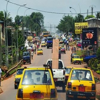 Yaoundé  pour les usagers : Démarrage en côte, glisse et klaxons !
