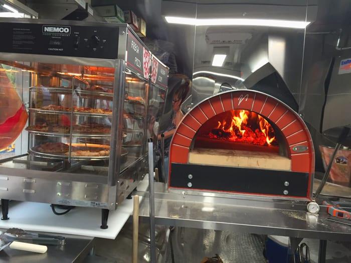 turgeonspizza004