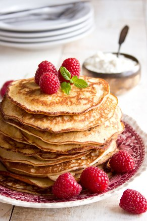 If you live a ketogenic lifestyle or are on a healthy low carb diet, check out these healthy low carb breakfast recipes. These low carb meals aren't only delicious, they are also made with very healthy ingredients. Check out these fat burning recipes that will help you burn fat, lose weight, and tone your body. #bellyfatrecipes #howtoloseweightfast #weightlossrecipesforwomen #doublechinburgers