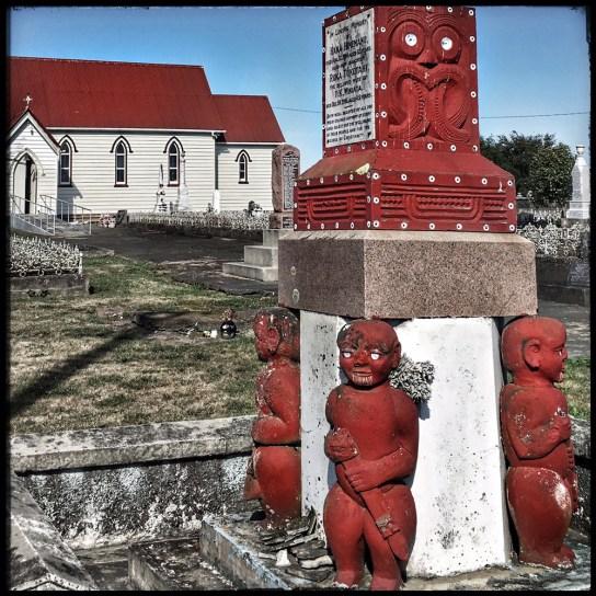 Church_maoricarving