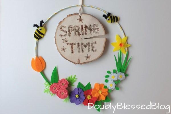 DIY Frühlingskranz mit Filzblumen