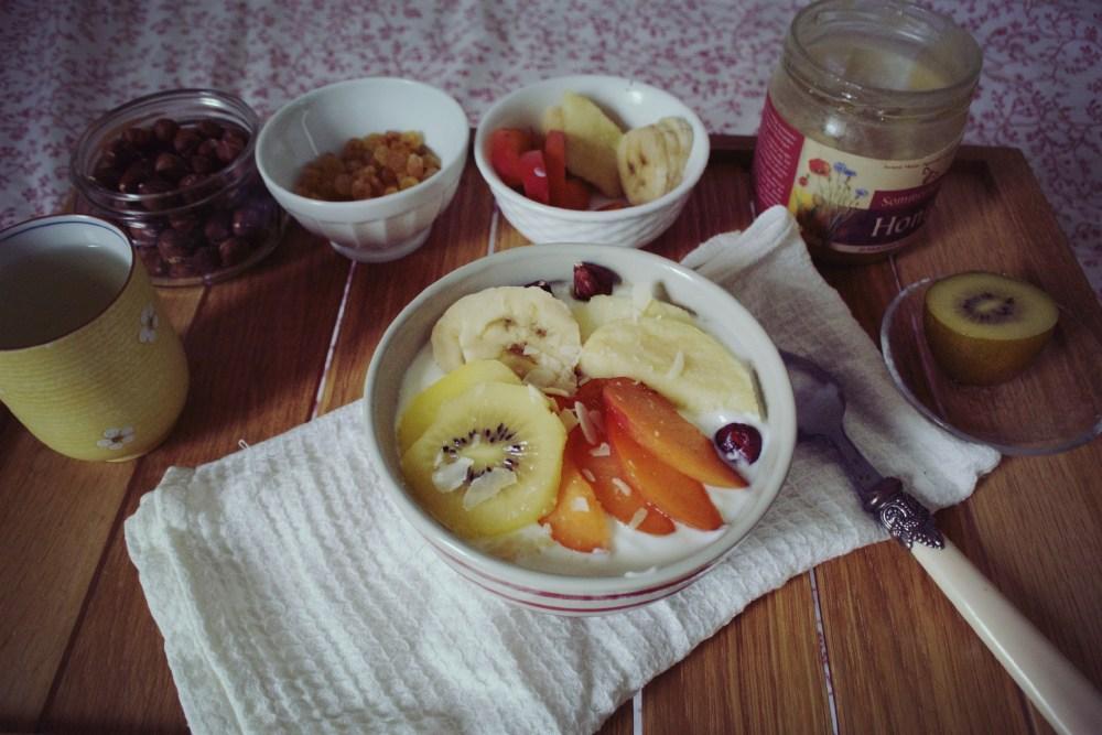Fromage blanc aux fruits frais de saison 白乳酪配新鮮时令水果