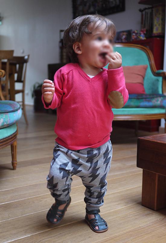 Pull et legging Zara, chaussures Pom d'Api