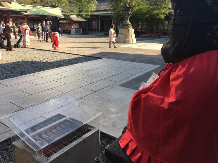 日枝神社でマーケティング!エスカレーターは邪道なのか?答えは未来と過去にある