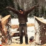 【衝撃】巨大な木をぶった切る男性の得意技がすごいと話題【Video Pizza】