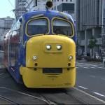 チャギントンだ!子どもたちはびっくり 人気アニメが実車化、岡山で練習走行