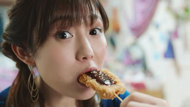 月桂冠 糖質ゼロ の WEB CM 「串揚げ糖質」篇 「カレーうどん糖質」篇「ピザ糖質」篇