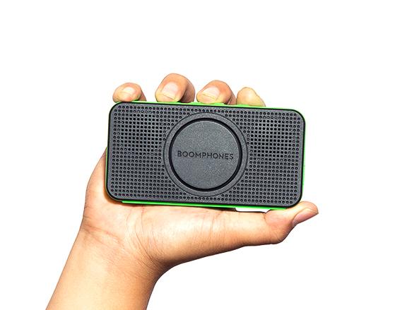 PocketSpeaker Hand Low Res