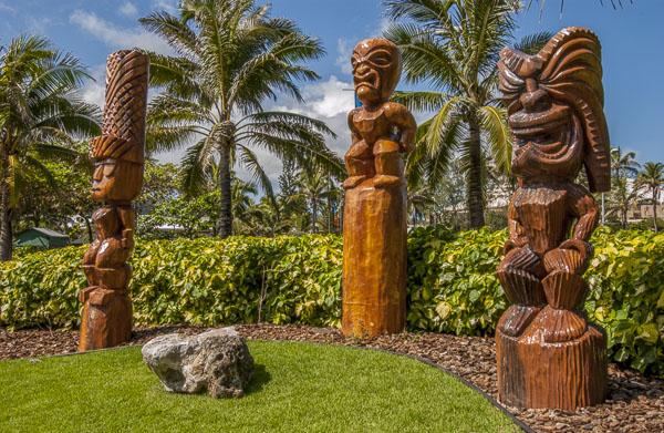 Polynesian statues