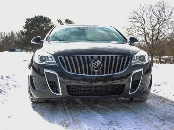 Grill on the 2015 Buick Regal GS