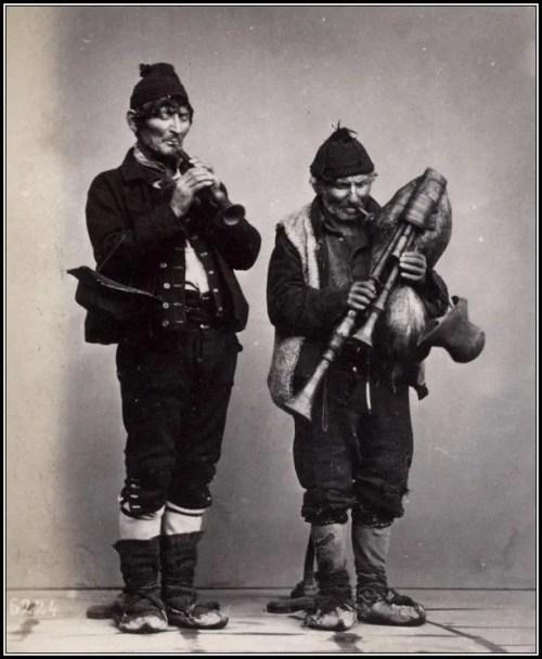 Zampogna and piffero duet