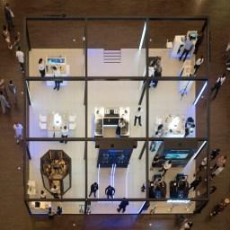 Street photography in Dubai Mall