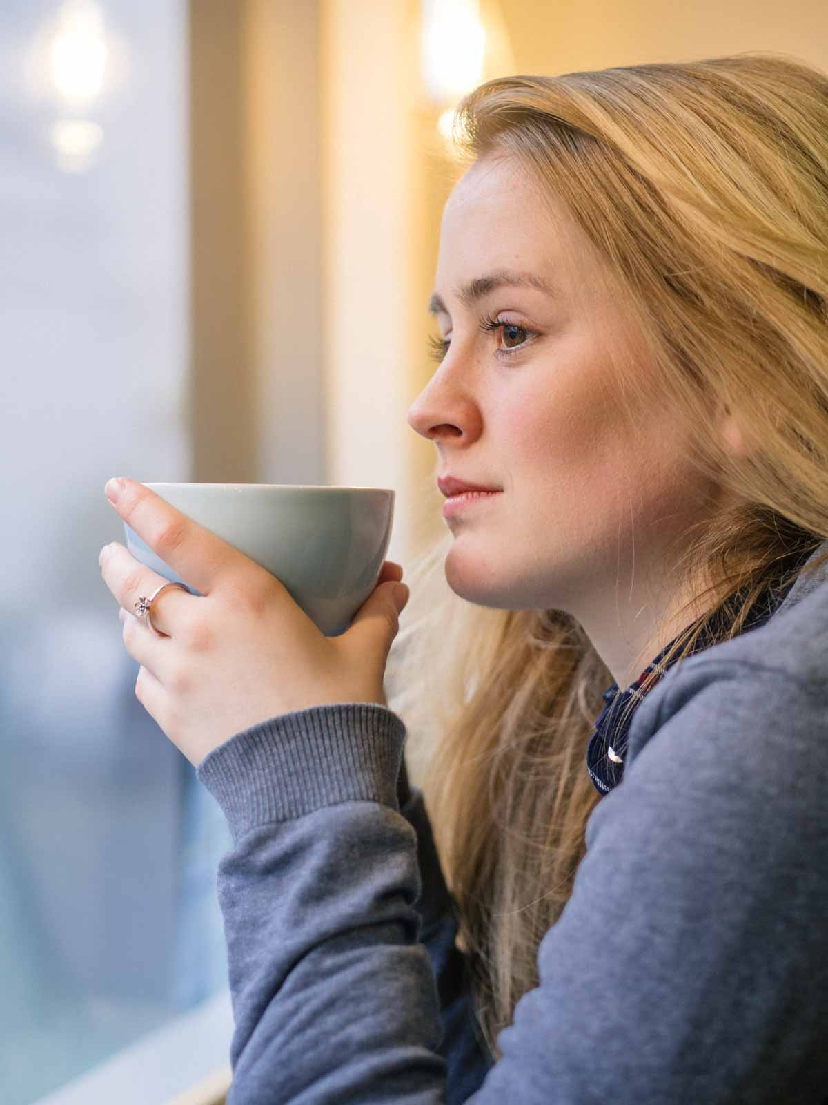 coffee morning portrait, window light, Olympus EM5 markii, Olympus 45mm f1.8
