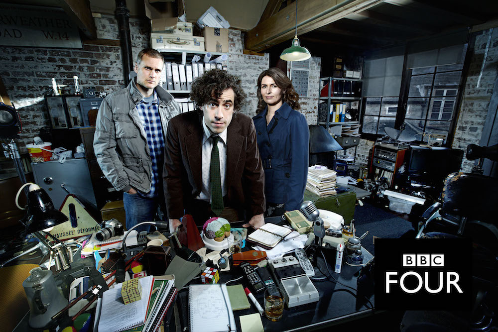 Picture shows: Richard Macduff (DARREN BOYD), Dirk Gently (STEPHEN MANGAN) and Susan Harmison (HELEN BAXENDALE). TX: BBC FOUR, TBC 2010