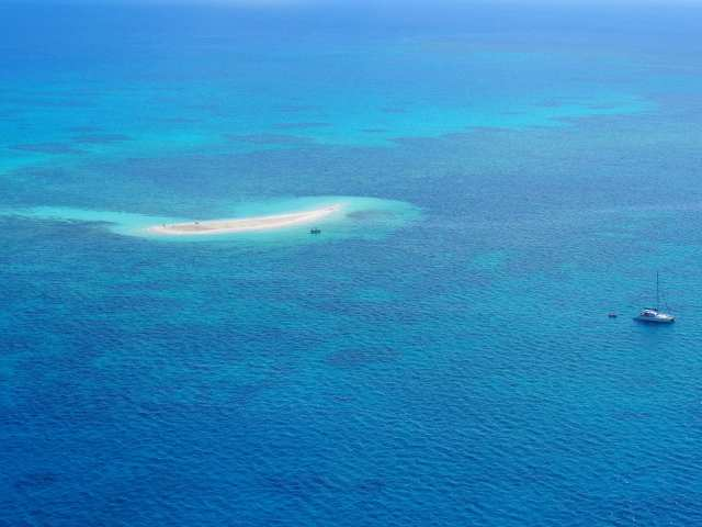 travel vouchers to great barrier reef