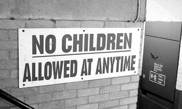 No-Children-Aloud_2