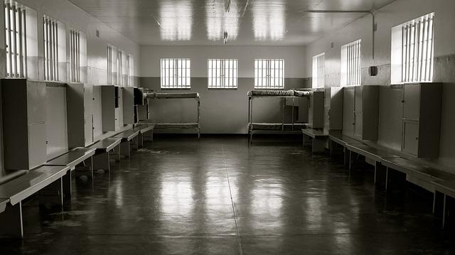 prison-589020_640