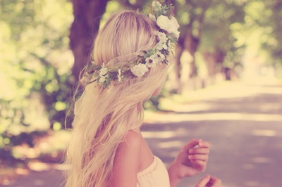 beautiful-blonde-flowers-girl-Favim.com-1837952