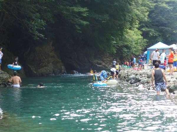 川での水遊び危険性