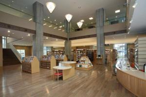 君の名はの聖地 飛騨市図書館