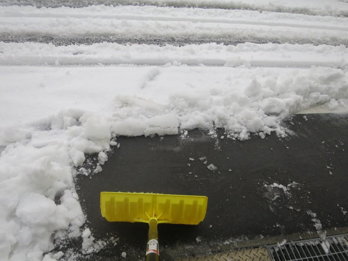 雪かきの効率の良い仕方と注意点